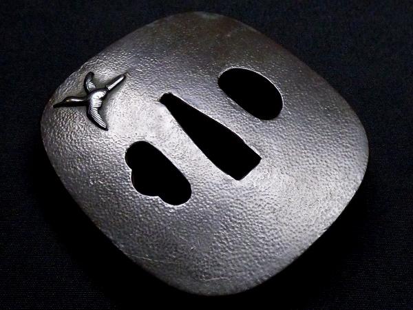 【刀装具 #1288】 石黒家を彷彿とさせる名作です! 鳥図 赤銅地 金象嵌色絵 鍔 桐箱付 【検:刀剣/拵え】_画像6