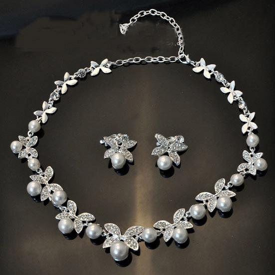 ホワイト/レッドクリスタル蝶デザインイヤリングと真珠のネックレスセット シルバーメッキブライダルウェディングジュエリーセット_画像4