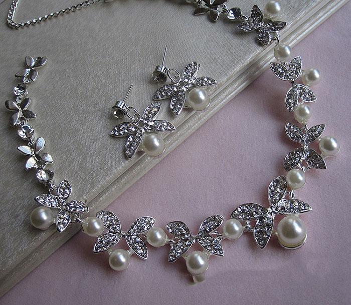 ホワイト/レッドクリスタル蝶デザインイヤリングと真珠のネックレスセット シルバーメッキブライダルウェディングジュエリーセット_画像5