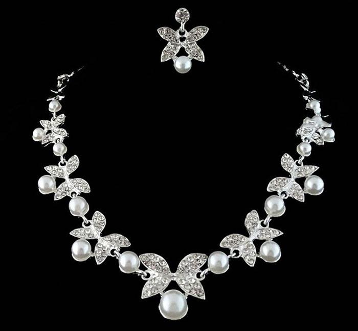 ホワイト/レッドクリスタル蝶デザインイヤリングと真珠のネックレスセット シルバーメッキブライダルウェディングジュエリーセット_画像2