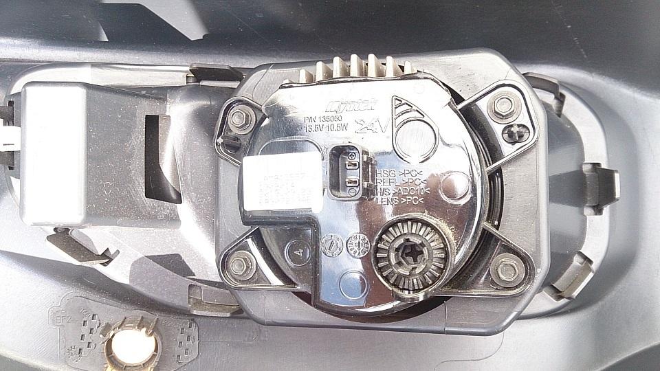 ジープ JLラングラーアンリミテッドルビコン フロントバンパ JL36 LEDフォグランプ付き!_画像4