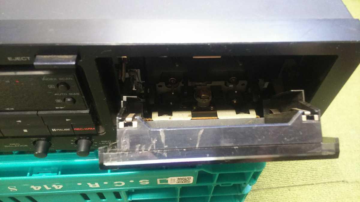 HK004 KENWOOD ケンウッド KX-W8020 ダブルカセットデッキ 通電&起動&簡易清掃OK 現状品 JUNK_画像4