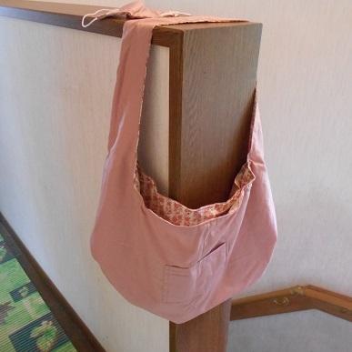 ハンドメイド トートバッグ エコバッグ ショルダーバッグ 同柄マスク付き 裏側リバーシブル 表と中側ポケット付き