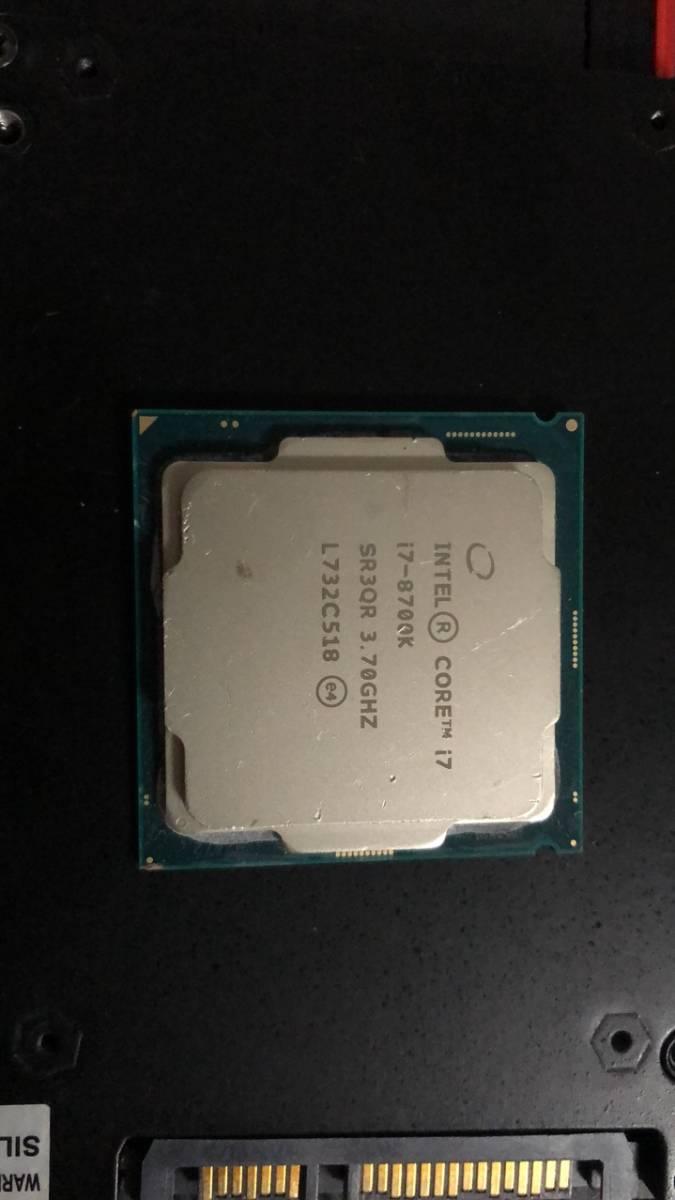 Intel Core I7 8700K LGA1151 中古分解品