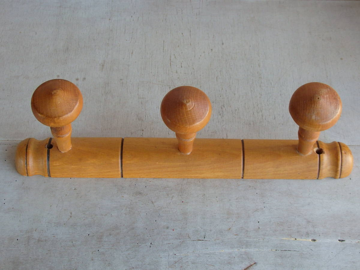 フランスアンティーク 壁掛け コートフック ハンガー 什器 ディスプレイ フレンチ 家具 雑貨 古木 蚤の市 ウォール 帽子 3連 仏_画像1