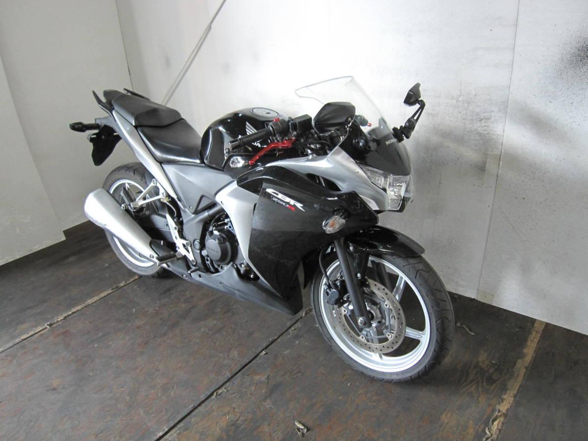 「HONDA CBR250R 黒銀 MC41 前後新品タイヤ 12453km」の画像2