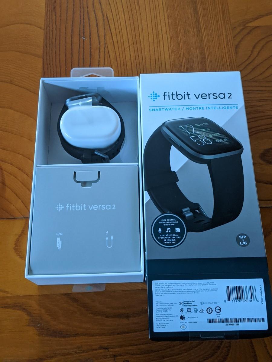 未使用 新品 fitbit versa2 ブラック スマートウォッチ
