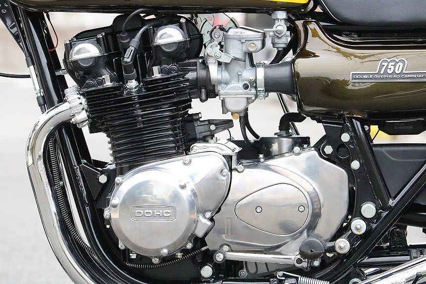 「昭和49年/フルレストア/Z2/750/RS/超極上/新車再生/エンジンフルOH/サビ一つありません/フルノーマル/一生物/7000番/マッチングナンバ―」の画像3
