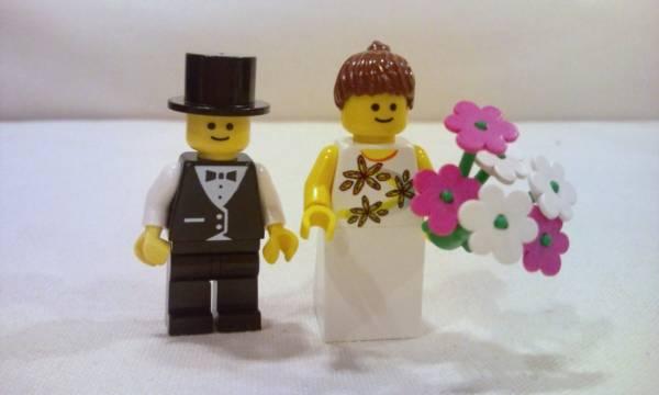 ☆LEGO 新郎新婦 ミニフィグ 結婚式 ウェディング レゴハート★_もれなく顔(別タイプ)1セット(2個)付