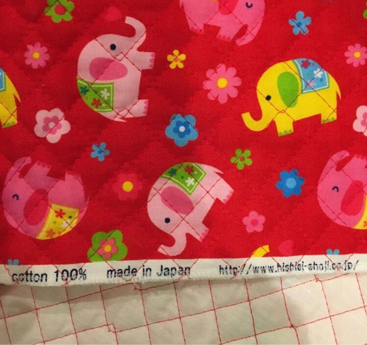 キルティング生地 ゾウさん柄 赤色 56cm×65cm 日本製