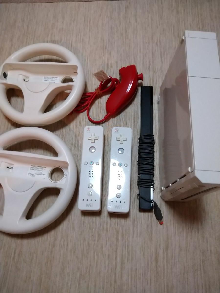 Wii本体、Wiiリモコン、ヌンチャク、ハンドル、センサー