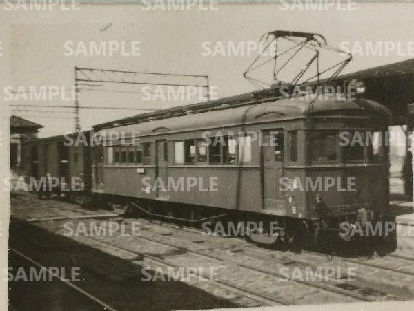 rT【写真】長野電鉄 電車 モハ350形+貨車 ワキ 昭和20年代 [デハ350形→○→モハ600形→解体_画像1