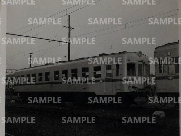 rT【写真】小田急電鉄 気動車 キハ5100形 5102 昭和35年 (前サボ=「廻」 [○→関東鉄道キハ754_画像1
