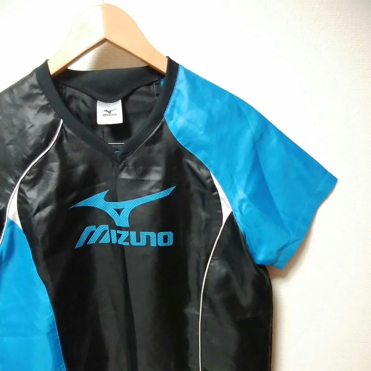 MIZUNO ミズノ 美品 レディース M ウィンドブレーカー スポーツ ウェア
