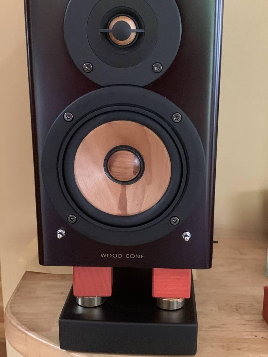 音質向上 天然木 ヨーロピアンビーチ キューブ形 インシュレーター Lサイズ 木製 4個1組 スピーカー 無垢材 35mm オーディオ 音響機器 音質_画像1