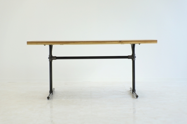 クラッシュゲート 「GRIT Ⅱ」関家具 オーク無垢材 ダイニングテーブル 作業台 デスク 机 インダストリアル 工業系 ノットアンティークス_画像2