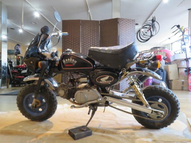 「□HONDA MONKEY Z50J ホンダ モンキー 50cc 7400km ブラック 実動! アルミロンスイ バイク 札幌発」の画像2