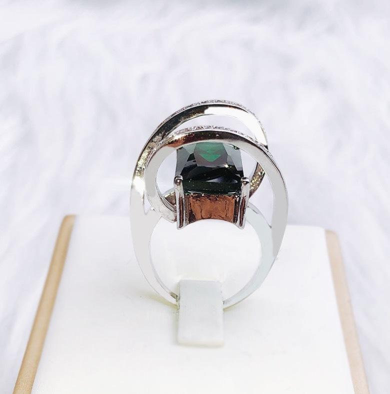 【 1円スタート & 新品 数量限定 】エメラルド ダイヤモンドリング ★サイズ選択可 一点物 最高級 アクセサリー プラチナ仕上 SKN-027_画像3