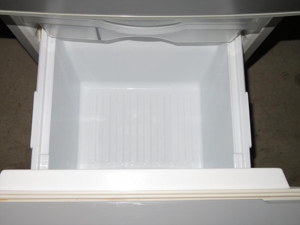 【本州地域→送料無料】Panasonic パナソニック ノンフロン冷凍冷蔵庫 NR-B143W-S 幅480×奥行584×高さ1119mm 138L 2011年製 管理NO.SK47_画像10