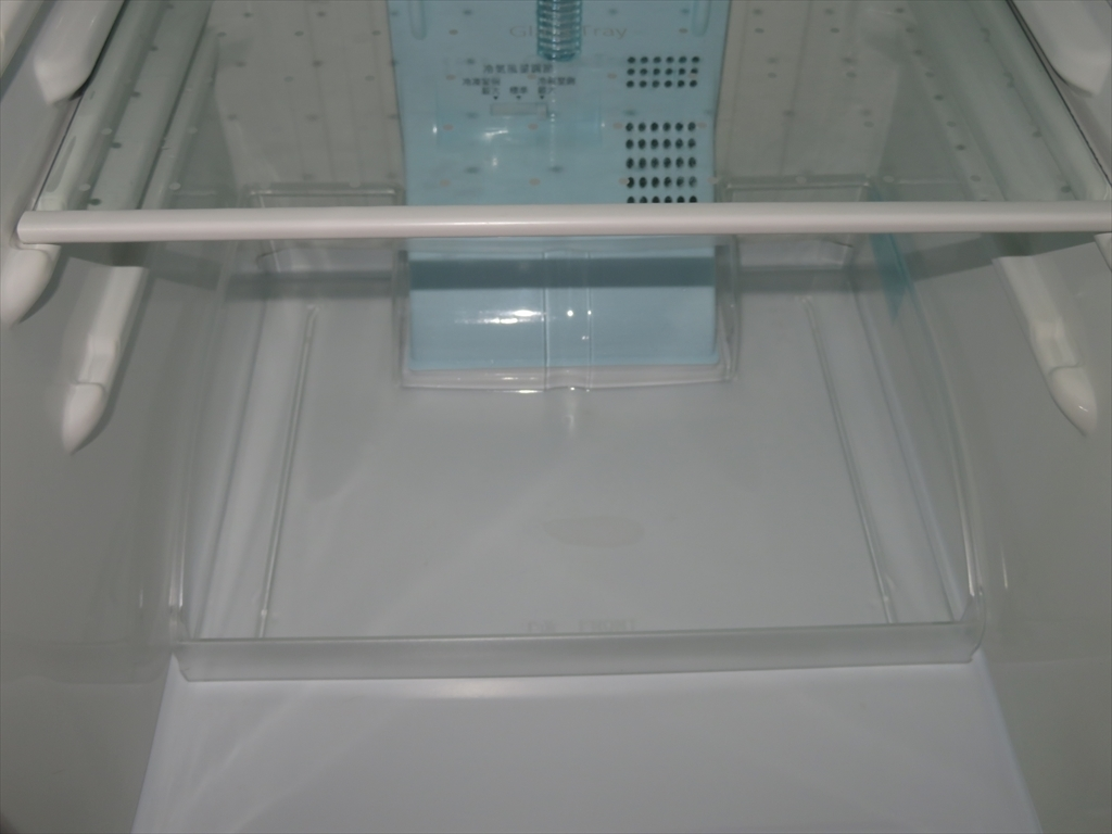【本州地域→送料無料】Panasonic パナソニック ノンフロン冷凍冷蔵庫 NR-B143W-S 幅480×奥行584×高さ1119mm 138L 2011年製 管理NO.SK47_画像9
