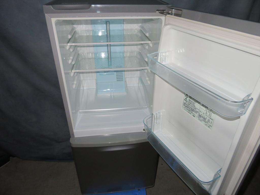 【本州地域→送料無料】Panasonic パナソニック ノンフロン冷凍冷蔵庫 NR-B143W-S 幅480×奥行584×高さ1119mm 138L 2011年製 管理NO.SK47_画像6