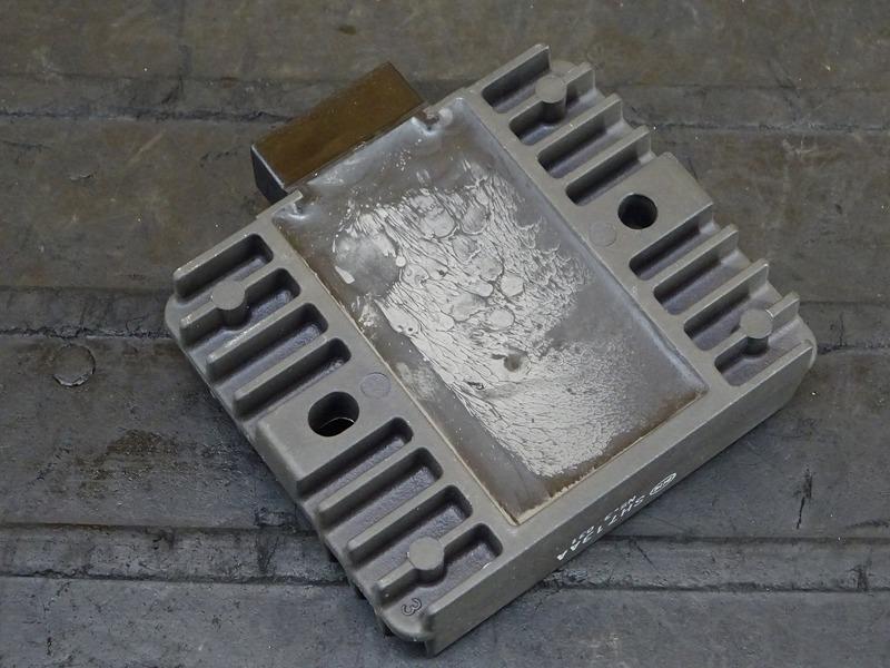 【200907】YZF-R25 ABS(RG10J-007)◇ レギュレーター レギュレター ※検:MT-25 YZF-R3_画像6