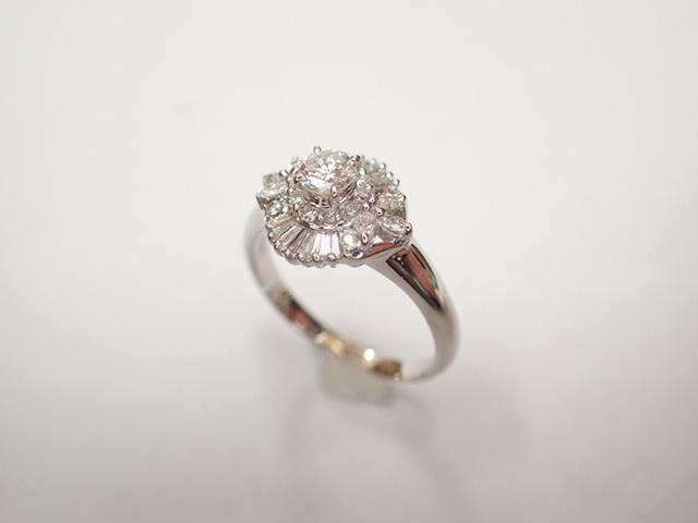 美品 Pt900 ダイヤ0.239ct(F-VS2‐FAIR) 他ダイヤ計0.38ct リング 指輪_画像5