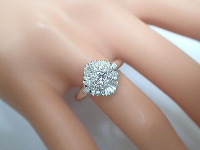 美品 Pt900 ダイヤ0.239ct(F-VS2‐FAIR) 他ダイヤ計0.38ct リング 指輪_画像9