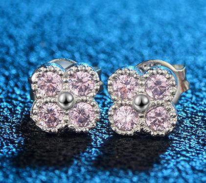 最高最上級カラー 1ct 4石 超大粒 ダイヤモンドピアス プラチナ仕上 注目 新品 贈答品 価格高騰中
