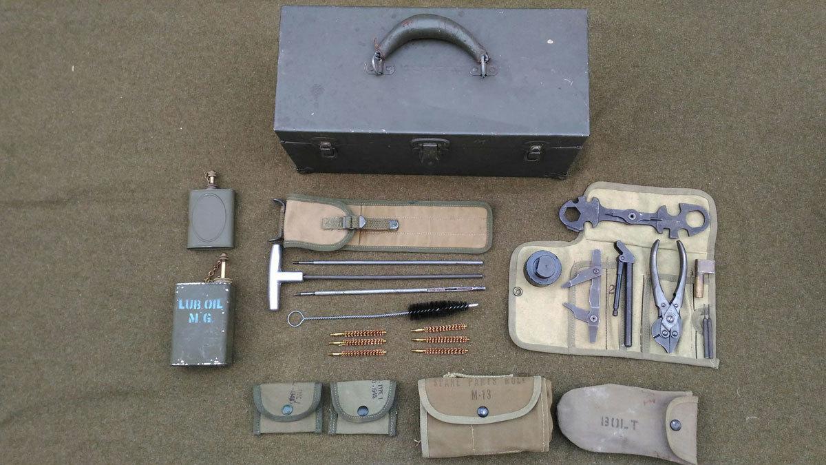 WW2 米軍 機関銃用 油缶 オイル缶 オイラー 実物_機関銃チームの携行備品を再現した参考写真