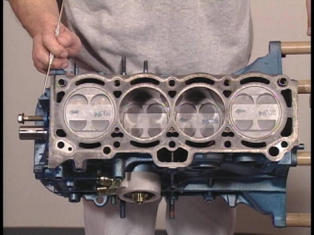 旧車・絶版車DIY お助けマニュアル トヨタ 4A-Gエンジン オーバーホール&ベンチテスト ツインカム4バルブエンジンを学ぶ!_画像5