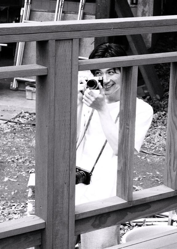 ☆三浦春馬☆ L判写真50枚付 AKB48 ☆西野未姫☆ 公式L判写真1枚です。 欅坂 乃木坂 日向坂 _画像3