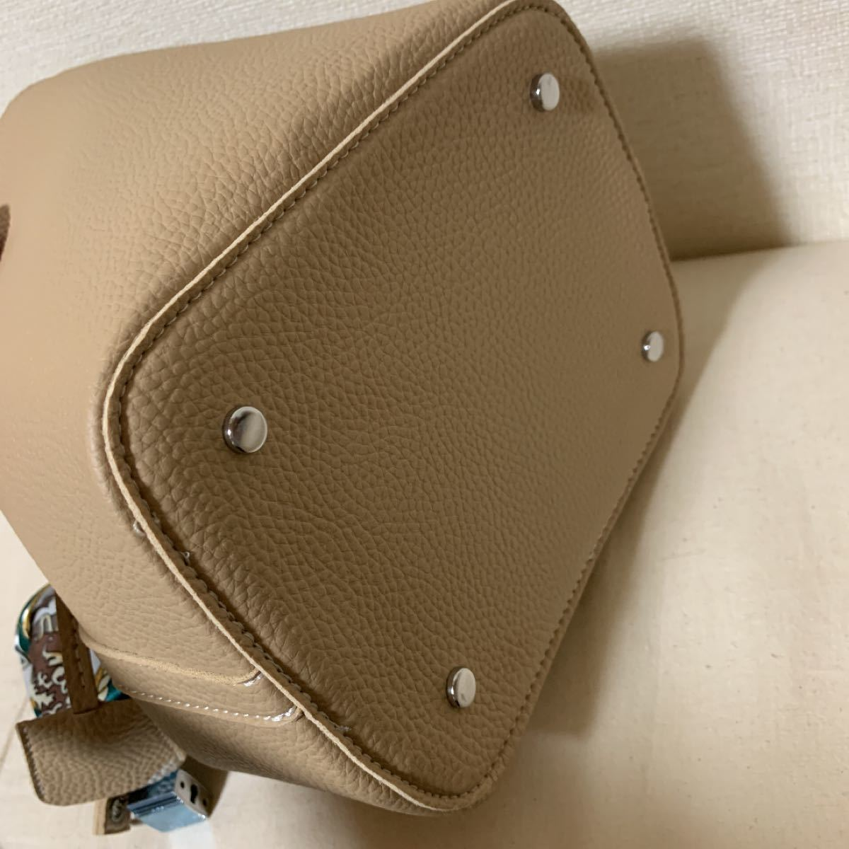 ハンドバッグ スカーフリボン 付きバケット型 キューブバッグ トートバッグ