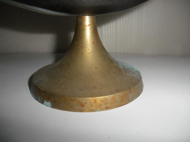 @@ アンティーク コレクション 雑貨 飾り物 角の飾り物 インテリア 台座(真鍮? 銅?)_画像2