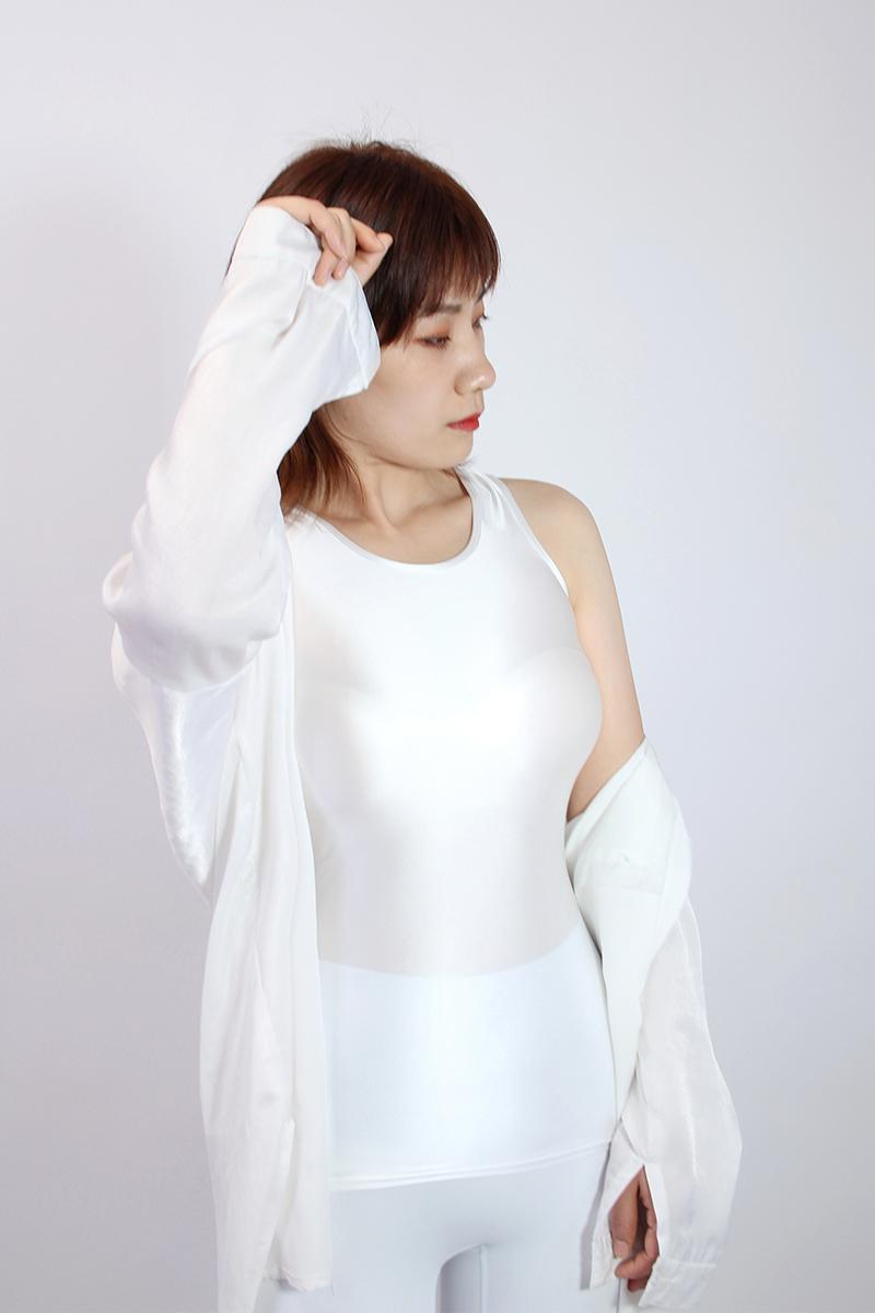 【2020夏最新作】コスプレ衣装 ノースリーブレオタード 伸縮性あり レースクイーンレオタード ホワイト Mサイズ_画像2