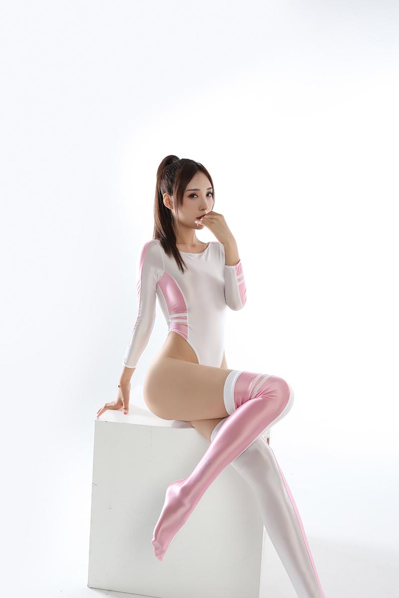 長袖上下セット コスプレ衣装 ハイレグレオタード レースクイーンレオタード ピンク フリーサイズ_画像2
