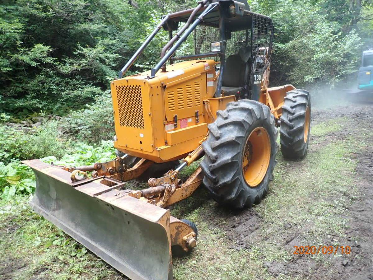 「イワフジ T30 ロギング ウインチ 林業 集材 除雪 4WD タイヤチェーン4本付き」の画像1
