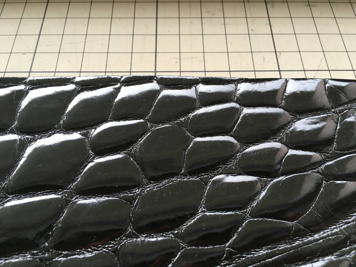 CRG9-7 ★極上クロコダイルワニ革鰐アリゲーターレザークラフト ブラックシャイニーグレージグハギレ※画像の物を送ります_画像3