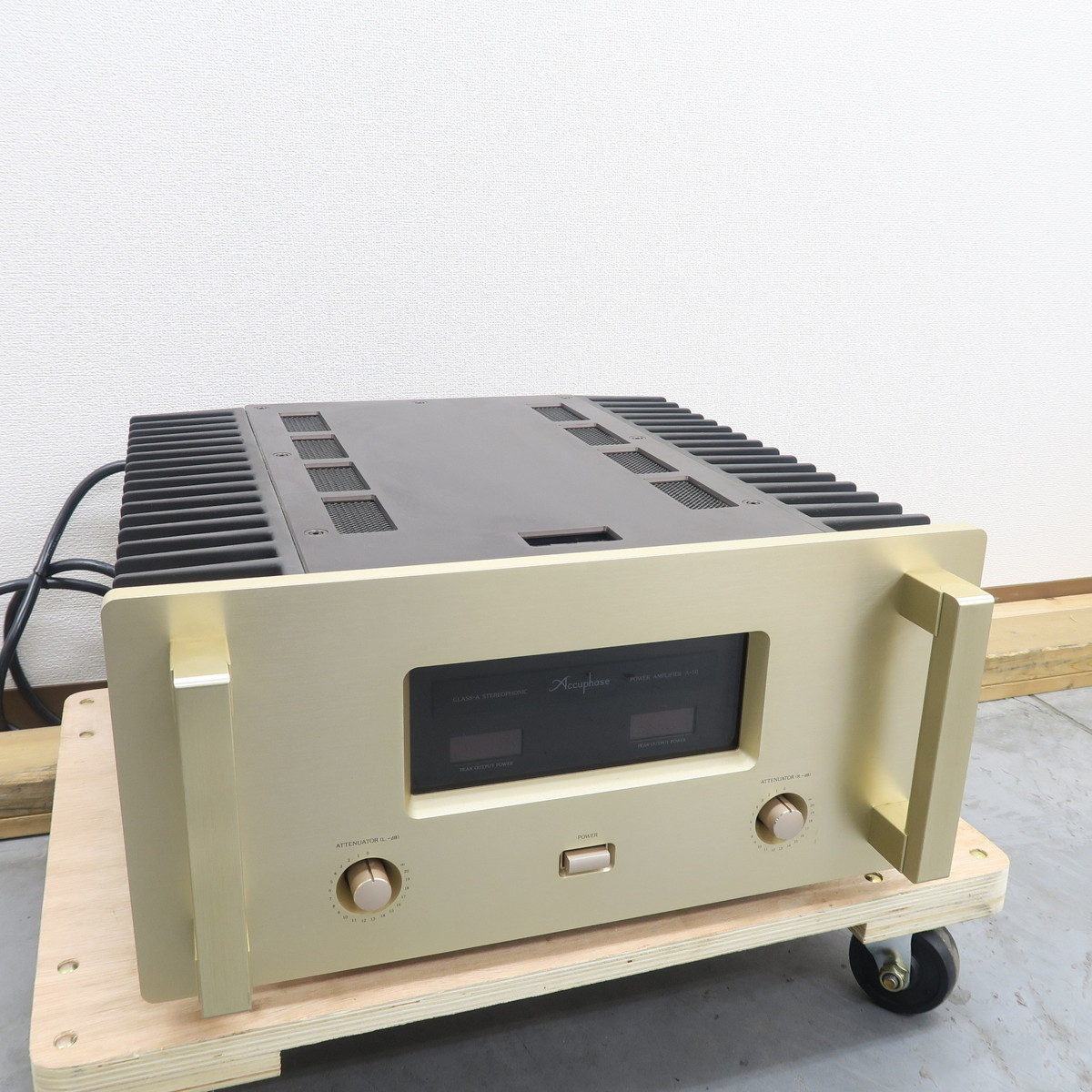 【Bランク】アキュフェーズ Accuphase A-50 パワーアンプ @49991_画像1