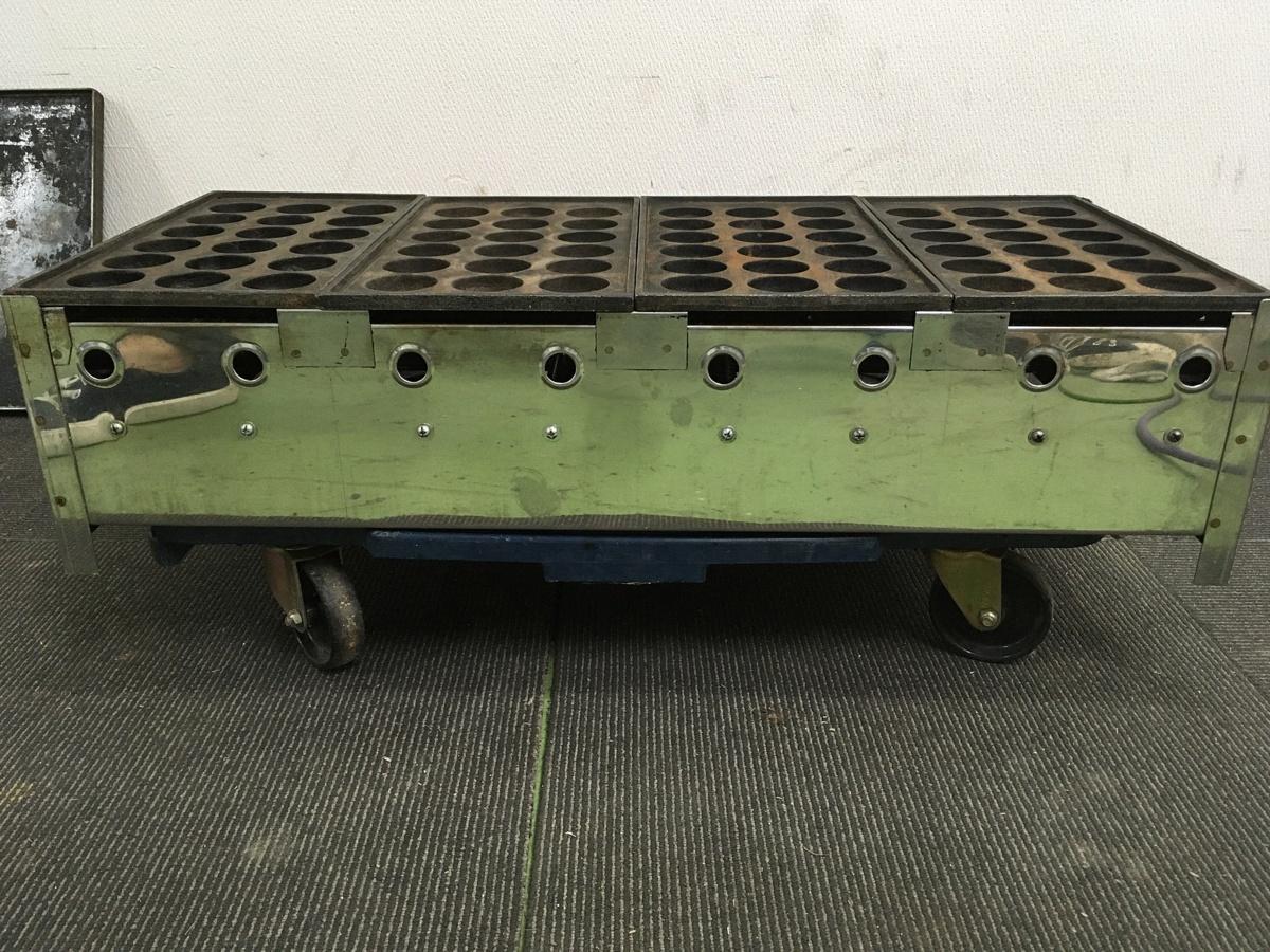 103 たこ焼き 店舗 屋台 鉄板ガス業務用 メーカー不明 たこ焼き器 18穴 直径4.5㎝ 4連&鉄板付き LPG専用 中古_画像5