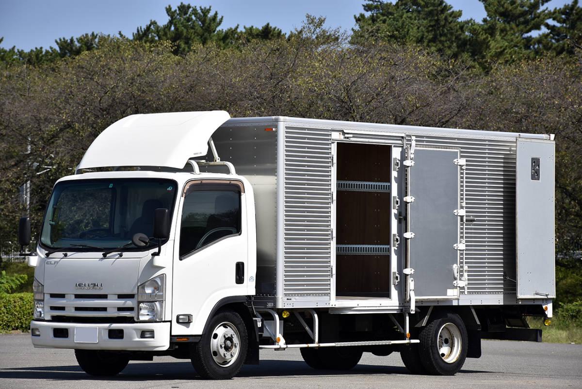 「安心の納車整備サービス付き走行9.2万km令和3年9月まで有効!荷室5mのワイド超ロングのサイドドア付き2tサイズのエルフアルミバン」の画像2