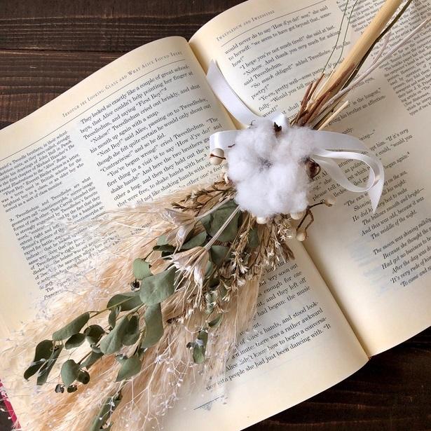 星月猫★「ホワイトコットンフラワーとパンパスグラスの一輪挿し用スワッグ」ドライフラワースワッグ 花束_画像1