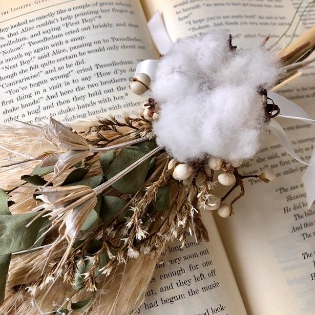 星月猫★「ホワイトコットンフラワーとパンパスグラスの一輪挿し用スワッグ」ドライフラワースワッグ 花束_画像2
