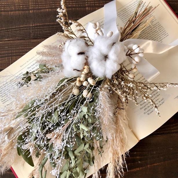 星月猫★「ホワイトコットンフラワーとパンパスグラス、ユーカリのスワッグ」ドライフラワースワッグ 花束_画像1