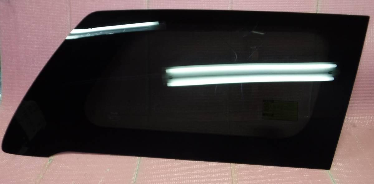 ヴェルファイア GGH20W クォーターガラス 右 AGC M2L3 _画像1