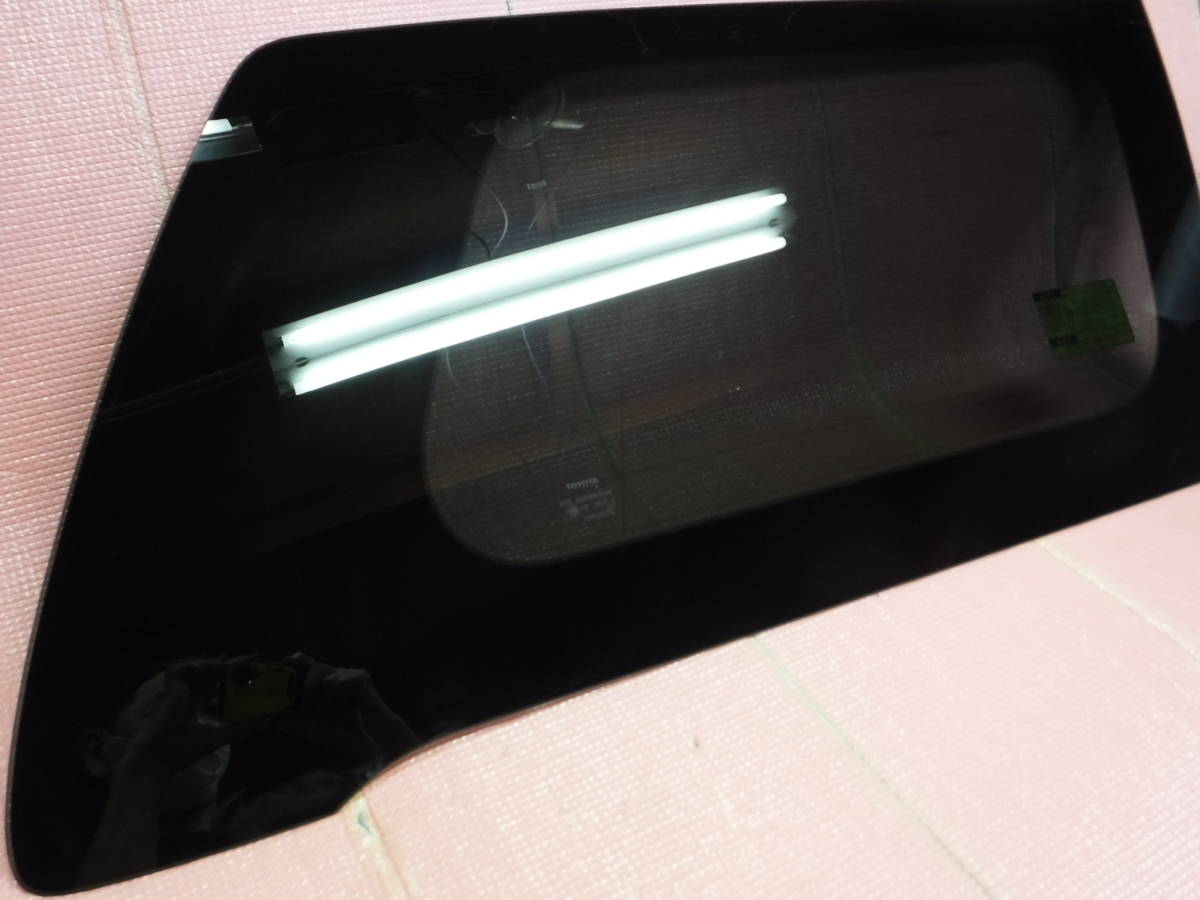 ヴェルファイア GGH20W クォーターガラス 右 AGC M2L3 _画像2