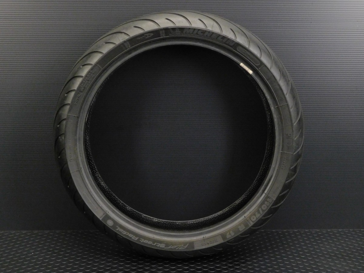 MICHELIN ミシュラン フロント タイヤ 110/70 R17 製造週年0416 山5分 足回り ホイール メンテ に♪_画像1
