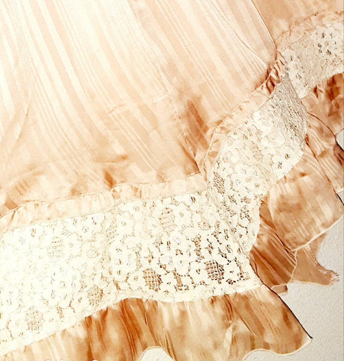アクシーズファム  ワンピースドレス 淡いピンク色×レース サテン 光沢 未使用