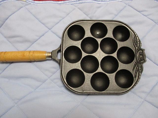 新品☆未使用☆イシガキ産業 柄付き たこ焼き器 フライパン 鋳物 12穴