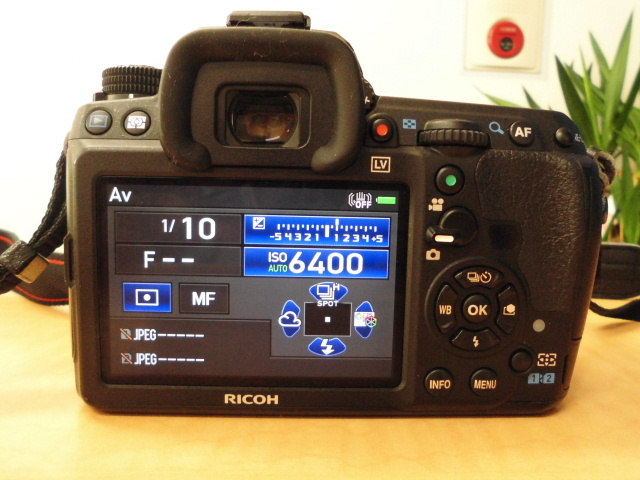 デジタル 一眼レフ カメラ RICOH PENTAX K-3 SR リコー ペンタックス バッテリー2個 充電器 箱 付_画像9